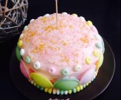Gâteau pastel décoré de bonbons multicolores - gâteau d'anniversaire fille