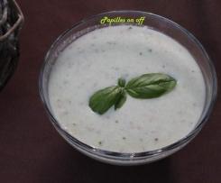 Soupe froide de concombre au basilic